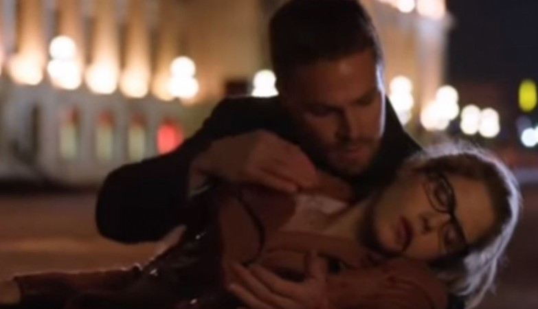 Oliver and Felicity from Arrow Season 4 Episode 9