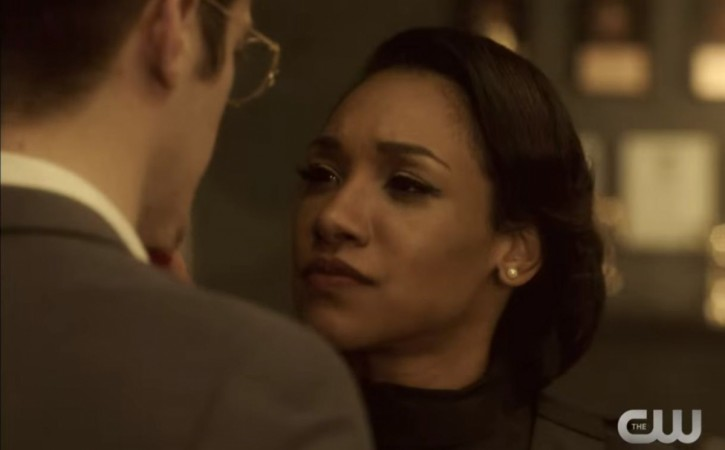 The promo for 'The Flash' Season 2 Episode 10 show Barry and Iris of Earth 2