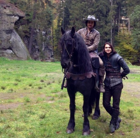 Aramis and d'Artagnan in the sets of The Musketeers Season 3