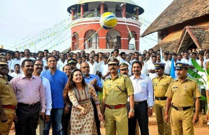 Manju Warrier to star in 'Karinkunnam Sixes'