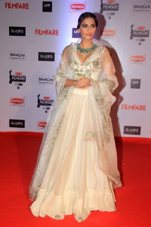 Filmfare Awards 2016 Best Dressed