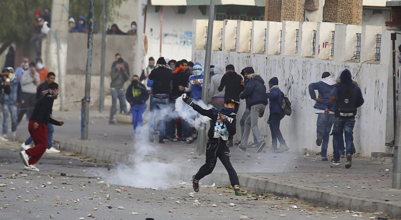 Tunisia: Violence on the streets of Kesserine as youth return to protest incomplete revolution