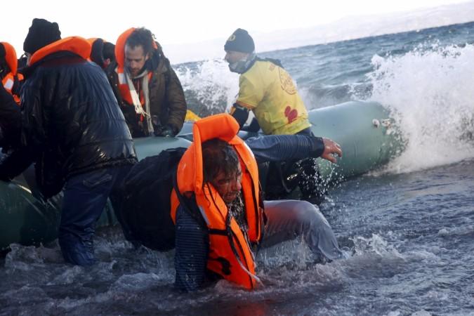 greece boat sinks