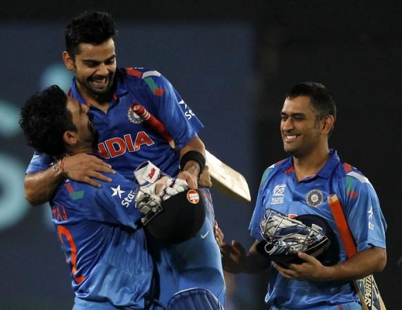 Virat Kohli With Dhoni