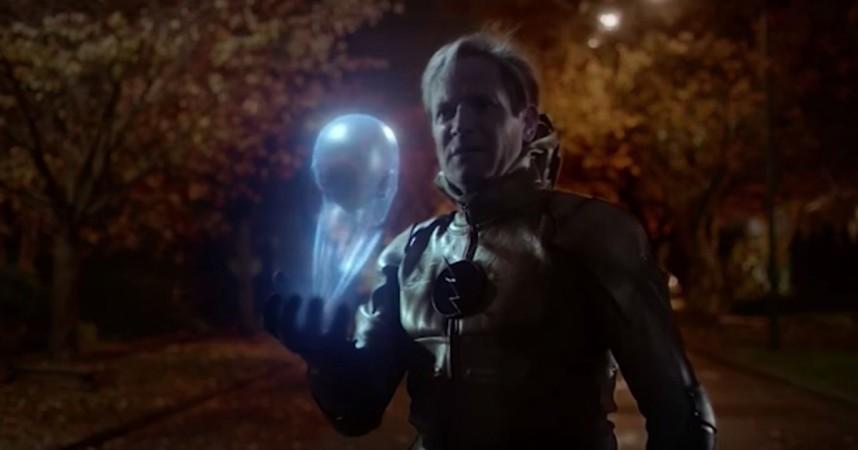 Reverse Flash talks to Gideon