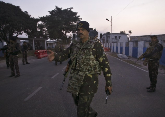 Alert in Pathankot after army uniform found in suspicious bag