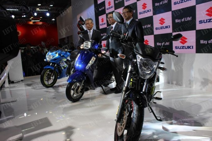 Auto Expo 2016: Suzuki unveils new Gixxer with rear disc brake, Gixxer SF FI, Access 125