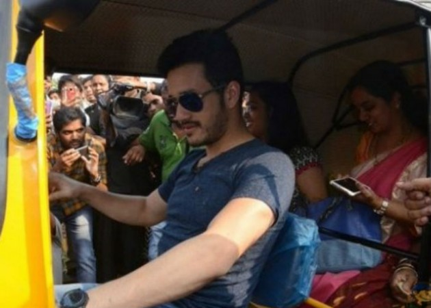 Akhil Akkineni driving auto rickshaw