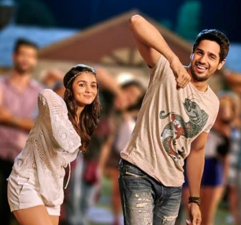 Alia Bhatt, Sidharth Malhotra in 'Kar Gayi Chull' song from 'Kapoor and Sons'
