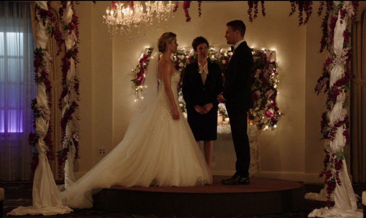 Stephen Amell shared a photo of Oliver-Felicity wedding