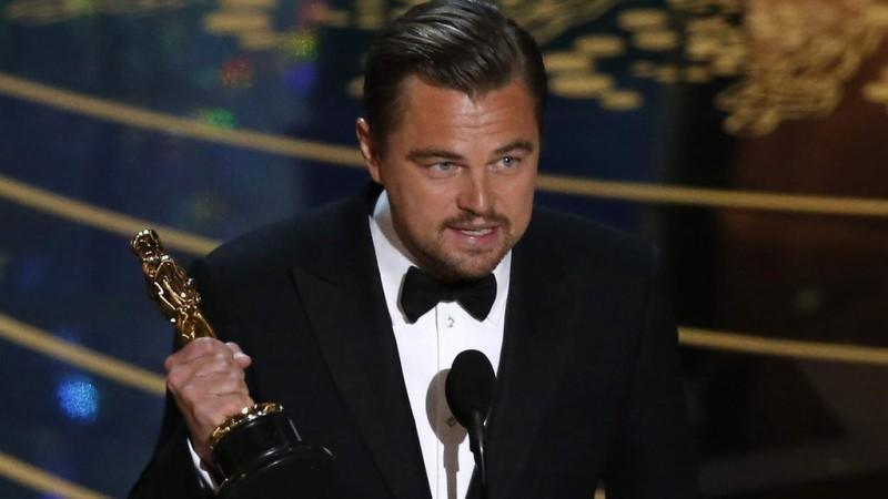 Leonardo DiCaprio wins an Oscar for the Best Actor (The Revenant)