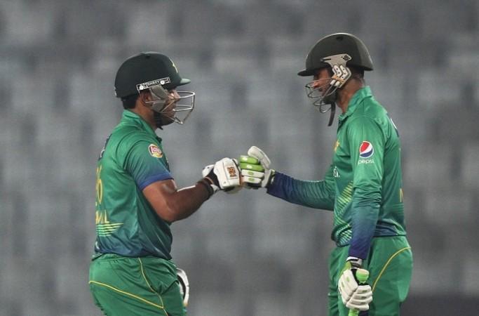 Umar Akmal Shoaib Malik Pakistan Asia Cup 2016