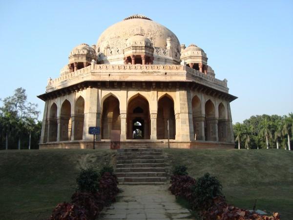 Tourism Lodhi garden monuments