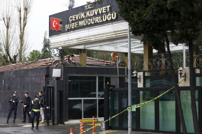istanbul police station attacked
