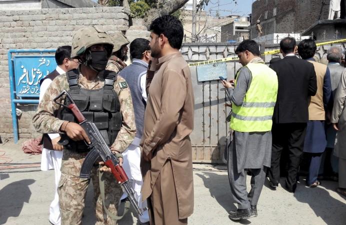 Pakistan suicide attack