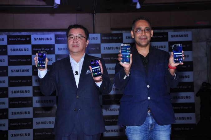 Samsung launches water-proof Galaxy S7 series in India