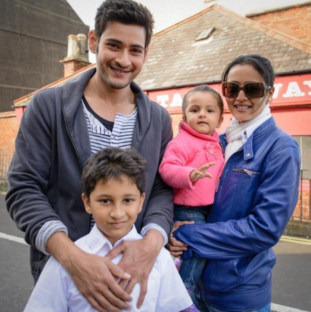 Mahesh Babu, Namrata Shirodkar with their children