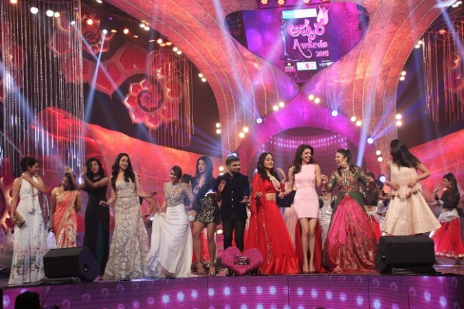 Telugu celebs at Zee Apsara Awards 2016