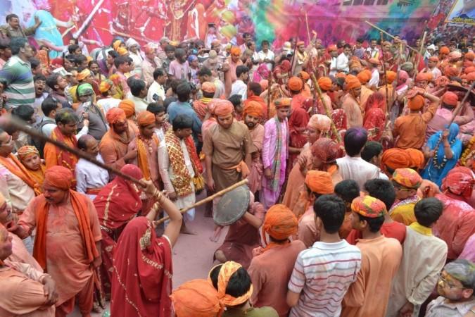 Lath-maar Holi in Barsana