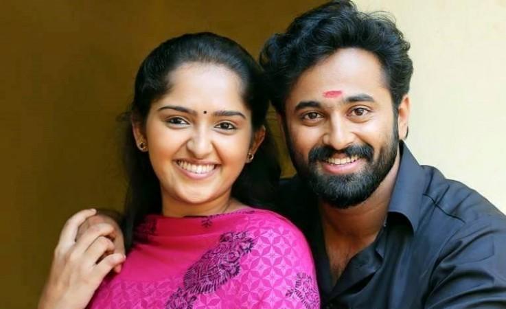 Unni Mukundan and Sanusha Santhosh in 'Oru Murai Vanthu Parthaya'