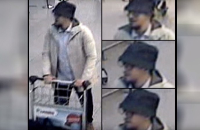 Brussels attacks: Belgian police release full CCTV of third attacker