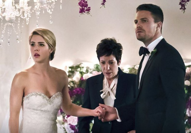 Felicity and Oliver got fake married in the previous episode