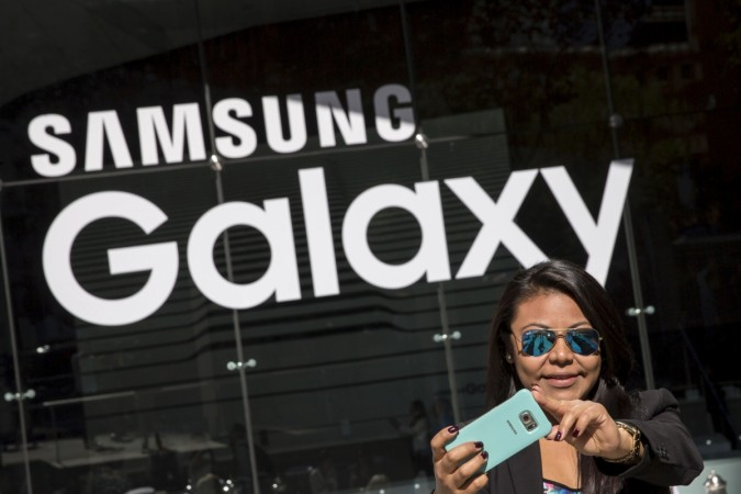 Samsung to launch foldable smartphone next year: Will it be the Galaxy S8?