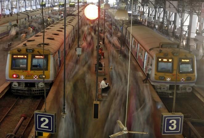local train in mumbai