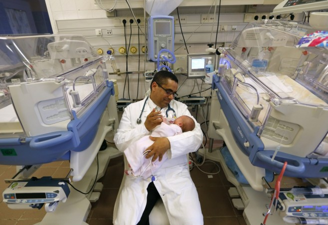 """Mohamed Abdulrahman Abdulrab voted """"Doctor of the Year"""" by Hungarian patients"""