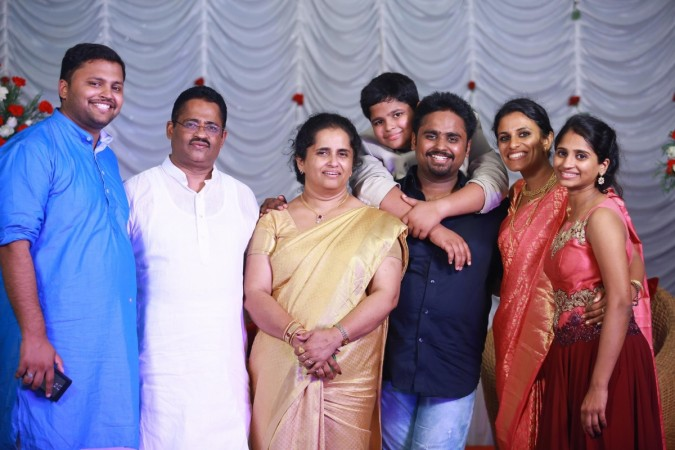 Jacobinte Swargarajyam: Gregory Jacob and his family