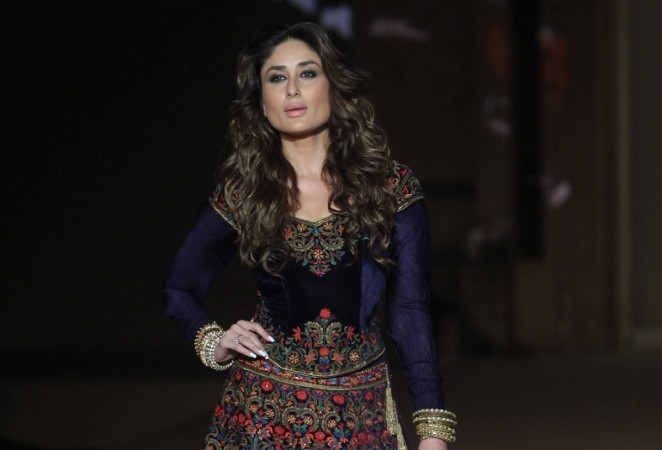 "Kareena Kapoor Khan turns showstopper for Rohit Bal at ""Lakme Fashion Week 2016"" finale"