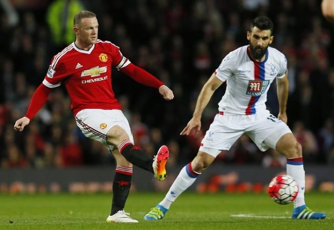 Wayne Rooney Manchester United Mile Jedinak Crystal Palace