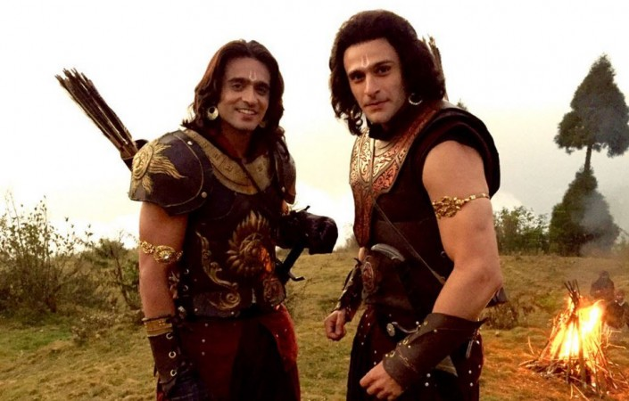 "Chetanya Adib to play Jatayu in ""Siya Ke Ram."" Pictured: ""Siya Ke Ram"" actors Ashish Sharma aka Ram and Karan Suchak aka Lakshman on the sets"