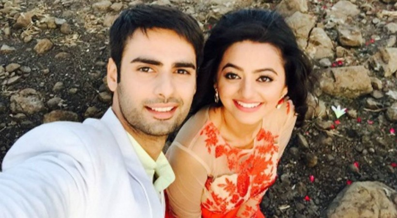 "Varun Kapoor meets with an accident on ""Swaragini"" sets. Pictured: ""Swaragini"" actors Varun Kapoor and Helly Shah"