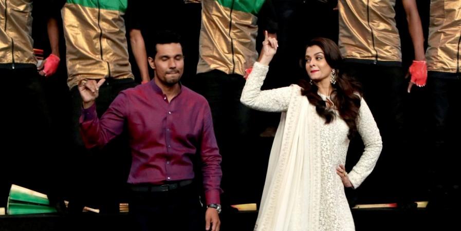Randeep Hooda, Aishwarya Rai Bachchan promote 'Sarbjit' on 'India's Got Talent'