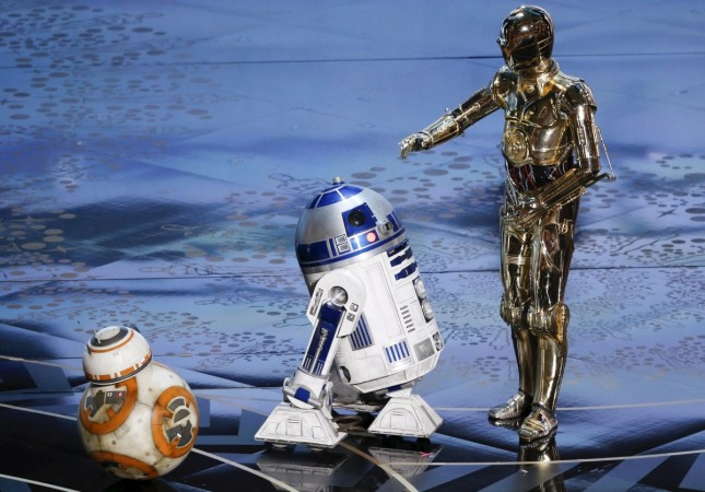 R2-D2 with BB-8 and C-3PO at the 2016 Academy Awards 2016