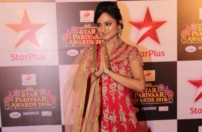 """""""Siya Ke Ram"""" to be replaced by Ekta Kapoor's """"Chandragupt Maurya."""" Pictured: """"Siya Ke Ram"""" actress Madirakshi Mundle in Star Parivaar Awards 2016"""