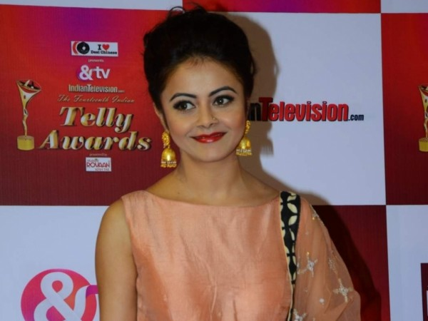 """Leaked images of """"Saath Nibhaana Saathiya"""" actress Devoleena and show's executive producer creates trouble. Pictured: Devoleena Bhattacharjee aka Gopi Bahu attends Telly Awards"""