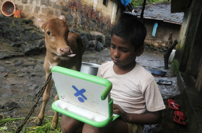 India kid laptop computer