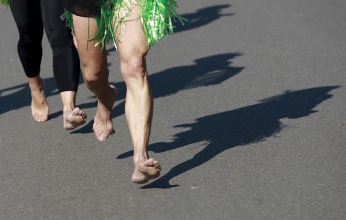 runbarefoot,