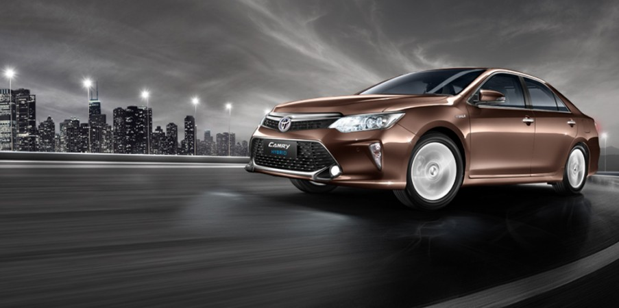 Toyota Camry Hybrid now goes cheaper by Rs.2.3 lakh