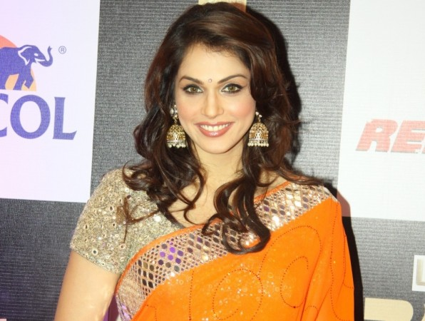 Isha Koppikar to make her TV debut? Pictured: Isha Koppikar at the Zee Cine Awards 2016 in Mumbai