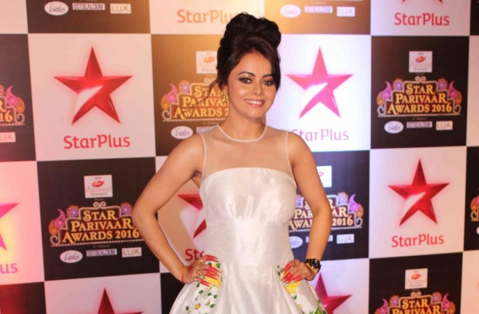"""Saath Nibhaana Saathiya"" actress Devoleena Bhattacharjee suffers head injury. Pictured: Devoleena Bhattacharjee in Star Parivaar Awards 2016"