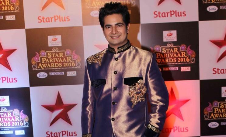 """Karan Mehra quits """"Yeh Rishta Kya Kehlata Hai."""" Pictured: """"Yeh Rishta Kya Kehlata Hai"""" actor Karan Mehra aka Naitik at  Star Parivaar Awards 2016."""