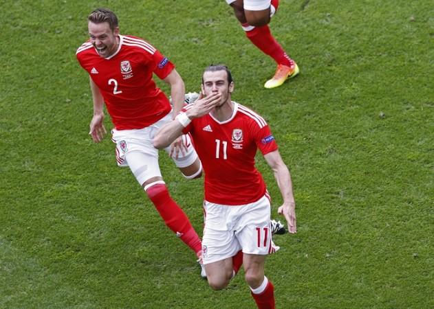 Gareth Bale Chris Gunter Wales