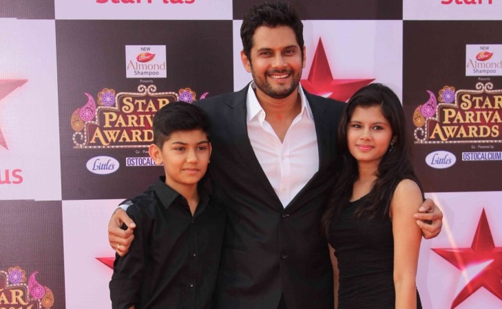 Amar Upadhyay throws tantrums? Pictured: Amar Upadhyay with his kids in Star Parivaar Awards 2016