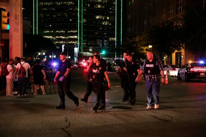 dallas obama us president killed attack black americans victims arrest army reservist