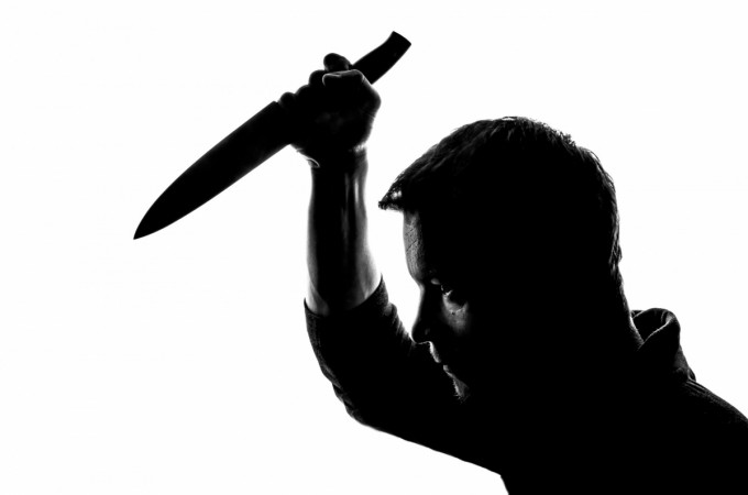 Man stabs woman in Noida