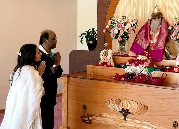 Rajinikanth, Aishwarya visit Yogaville Ashram in US