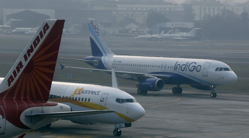 air india jet airways indigo domestic air traffic passenger volume dgca civil aviation policy 2016 flying india market share go air spicejet